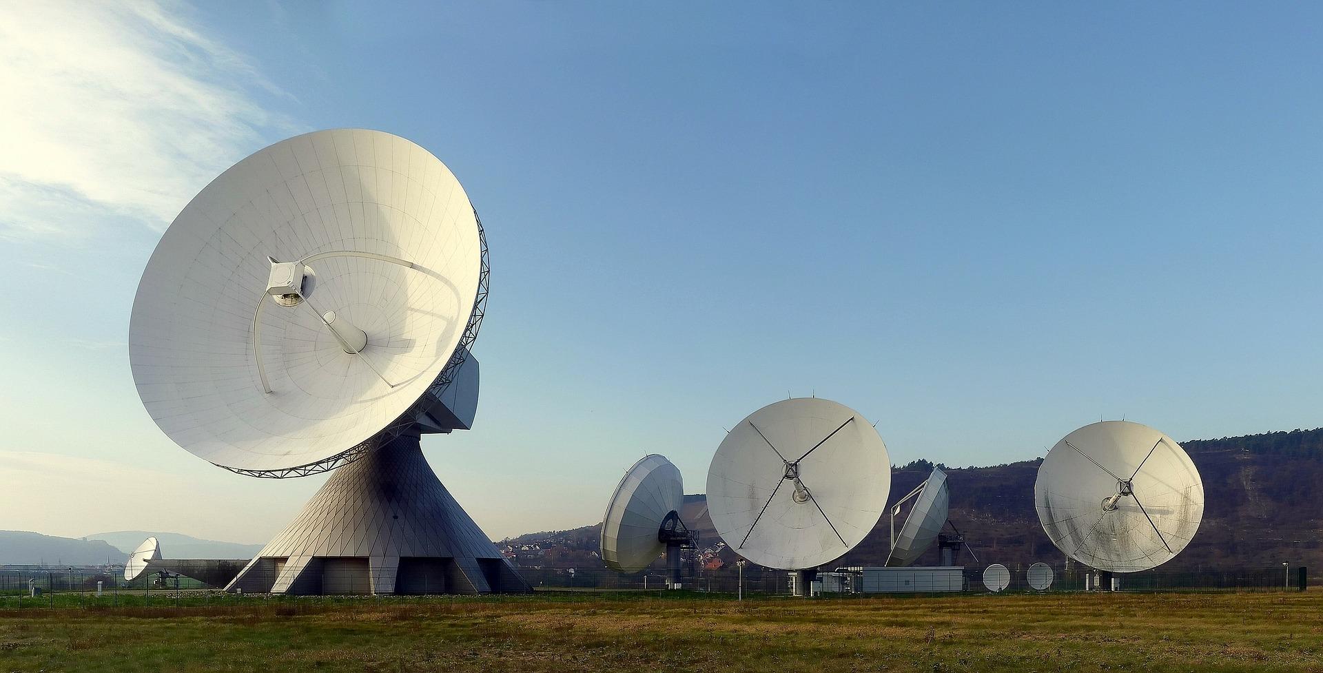 radar-dish-63013_1920