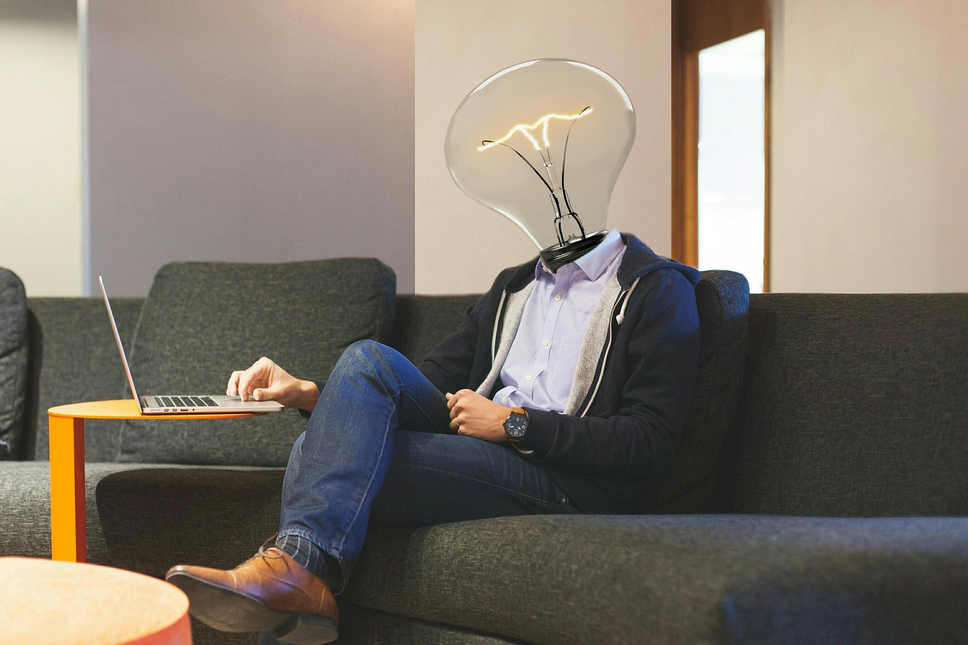 lightbulb-3449671_1920