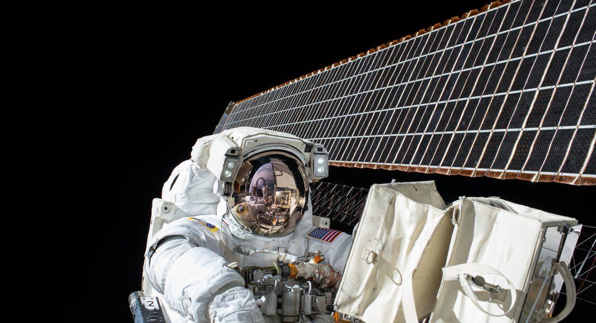 astronaut-1082186_1920