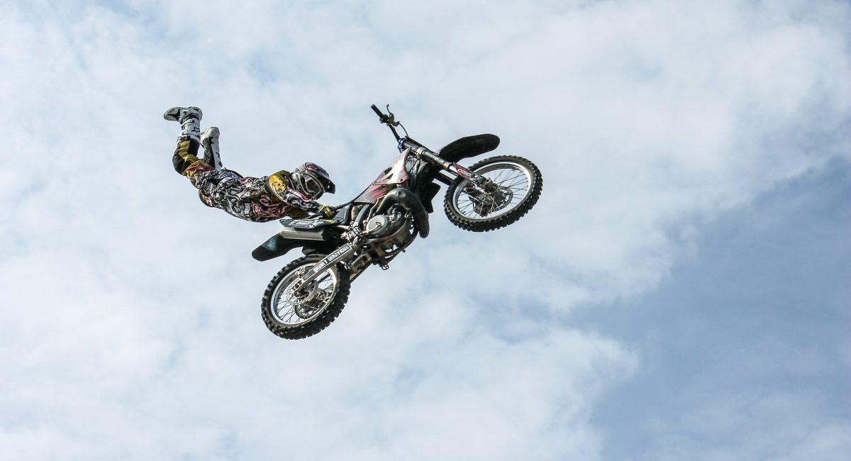 biker-384921_1920
