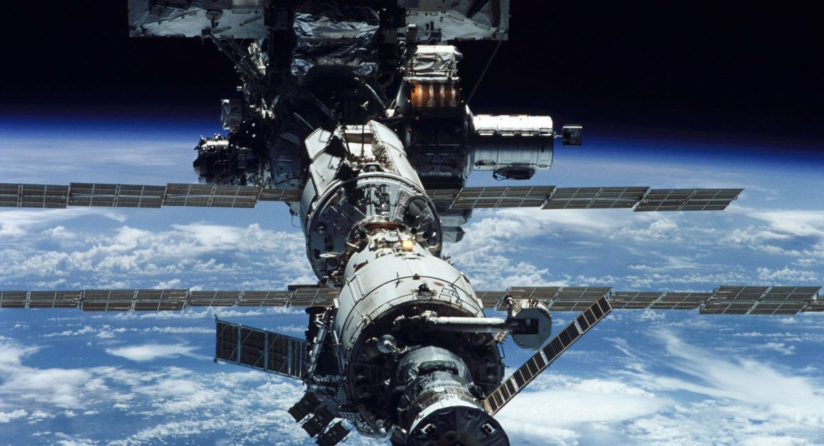 iss-11114_1920 (1)