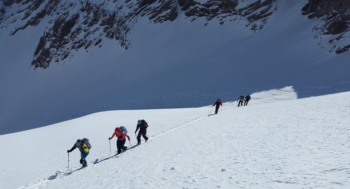 ski-mountaineering-1375016_1920